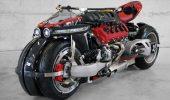 Motocicletă cu 4 roți Lazareth LM 847 și motor Maserati V8 470 HP