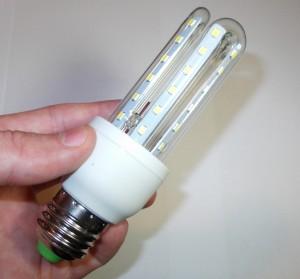 Alternativa-economica-de-iluminat-interior-cu-becuri-LED i